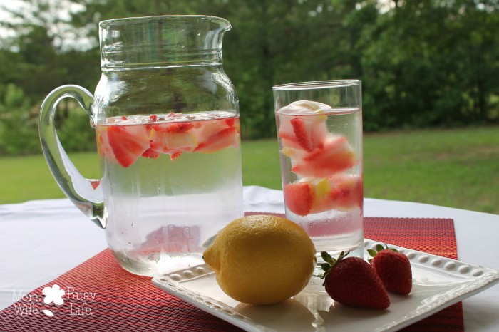 strawberry lemon water 4