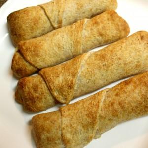Easy cheesy pizza rolls
