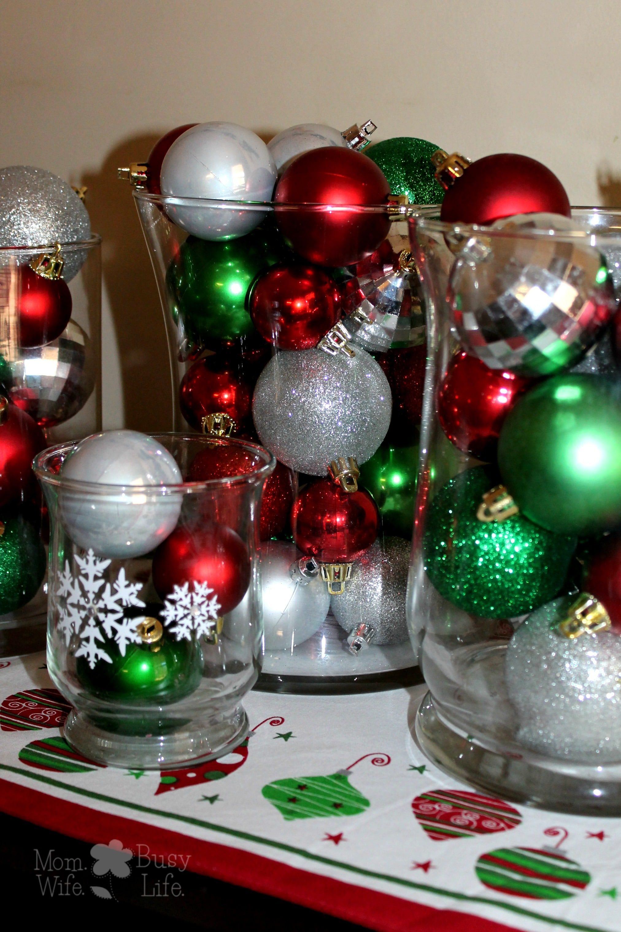 Easy christmas decoration ideas to make for Simple home decor for christmas