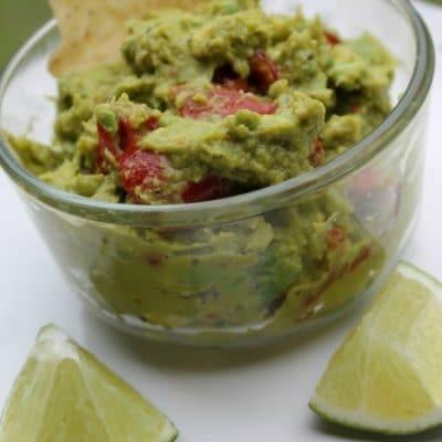 homemade-guacamole--466x700