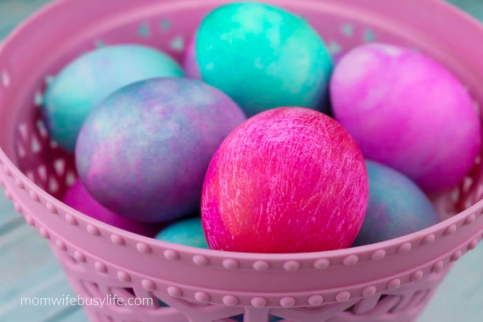 how to dye Easter Eggs with Whipped Cream
