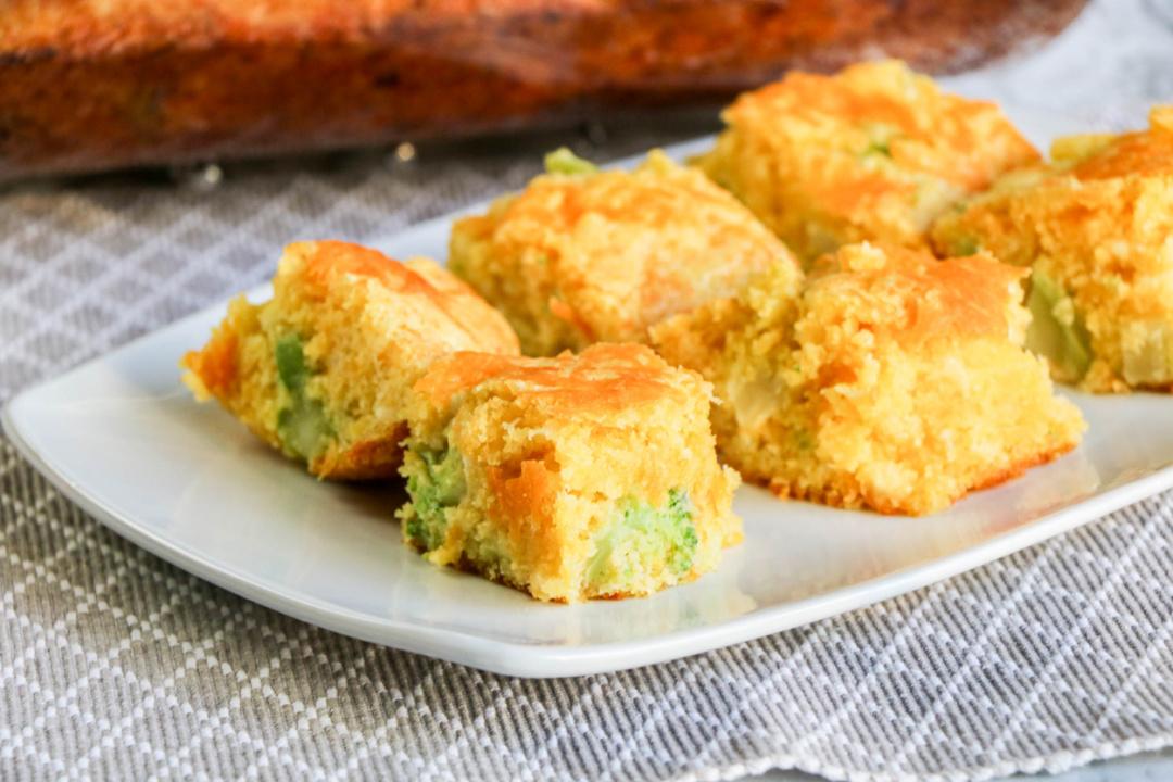 Easy Cheesy Broccoli Cornbread